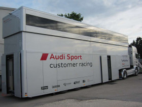 04-audi sport customer racing